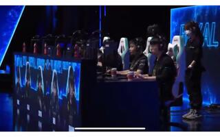 《LOL》英雄联盟赛事LPL4月18日总决赛第一至四场赛事高潮回顾(视频)